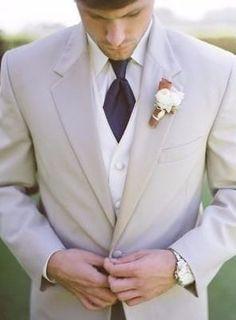 Coucou les filles et LES GARÇONS !!! Aidez-moi à trouver le plus beau costume : 1 2 3 4 5 6 7 8 9 10 11 Retrouvez aussi : Les gâteaux : https://m.mariages.net/forum/miroir-miroir-dis-moi-quel-gateau-est-le-plus-beau--t95171 Les maquillages :