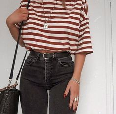 Lydia rose on which top wearing the black version of those farleigh jeans i loveeee again ill link similar styles for you mine are old sorry! 90s Fashion, Fashion Models, Fashion Looks, Fashion Outfits, Womens Fashion, Fashion Trends, Modest Fashion, Fashion Pics, Hipster Fashion