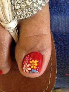Red nails with spring flowers Pretty Toe Nails, Cute Toe Nails, Toe Nail Art, Gel Nail Art Designs, Pedicure Designs, Toe Nail Designs, Red Nails, Hair And Nails, Cute Pedicures