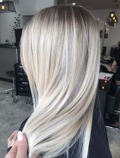 It's true, you can observe that balayage works pretty nicely with all hair lengths. Still another website to explain to you how balayage is finished. Cool Toned Blonde Hair, Cool Blonde Hair Colour, Hair Color, Cool Hair Colours, Colors, Balayage Long Hair, Balayage Hairstyle, Cool Blonde Balayage, Icy Blonde