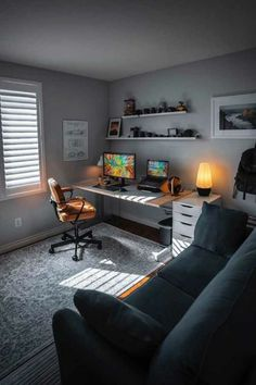 All wood floors and darker shades on the walls can create a dramatic atmosphere in a mans home office. Home Office Setup, Home Office Design, House Design, Office Ideas, Office Decor, Men's Home Offices, Bedroom Setup, Design Bedroom, Game Room Design