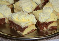 Excellent dessert with vanilla cream and whipped cream with mascarpone. Czech Desserts, Romanian Desserts, Baking Recipes, Dessert Recipes, Finger Desserts, Delicious Desserts, Yummy Food, Fudge, Czech Recipes