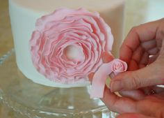 Fondant ribbin flower