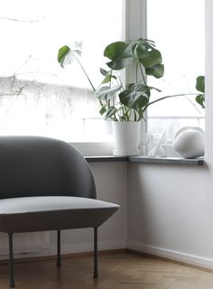 Scandinavian interiors are a balance of functionality and aesthetics. There isn't just one Scandinavian style, but there are certain elements that are well-recognised as typically Scandi. We've listed some of the well-known components of a Scandinavian interior, but of course there are many ways to incorporate your own style and personality with this decor. #scandinavianinterior #scandinavian #scandinaviandecor #scandinaviandesign