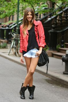 Jacket, t-shirt, shorts & boots