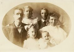 Lost family photo from antique store