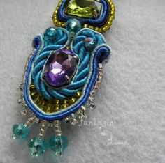 Orecchini tecnica Soutache Colorful diamonds di FantasieDiLaura