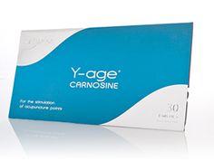 Y-age Carnosine: Repererer celler og DNA skader. Revitaliserer og holder cellerne unge. Bruges til anti-aging sammen med hele Y-age serien. God til sårheling og hudproblemer. God før, under og efter sportsudøvelse. Forebygger mælkesyreophobninger. Styrker organfunktionerne. Undersøgelser af Carnosine viser, at det beskytter hjernen mod plaque som er årsag til Alzheimers og Parkinson. #carnosine #plaster #sårheling #immunforsvar #antioxydant #hud #antiaging