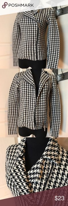 🔥Houndstooth Knitted Zippered Jacket ▪️Worn once for less than an hour▪️Purchased at Dillards. ▪️Very nice thick sweater type material. A great staple piece for your wardrobe, houndstooth is a classic. ▪️Ships asap, bundle and save ❤️ Chaps Jackets & Coats Blazers