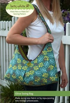 The Olive Swing Bag is versatile and stylish.  Fully reversible, it's like two bags in one.  Bonus sunglasses case pattern included.