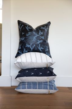 Blue stack of pillows. Blue Throw Pillows, Decorative Pillows, Pillow Covers, Beautiful, Home Decor, Homemade Home Decor, Pillow Case Dresses, Throw Pillows, Cushion Covers
