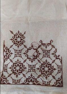 Cross Stitch Geometric, Cross Stitch Art, Cross Stitch Flowers, Cross Stitching, Cross Stitch Patterns, Palestinian Embroidery, Embroidery Stitches, Lassi, Hgtv