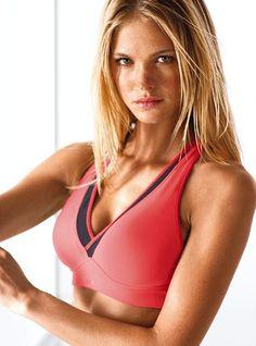 VS Runway™ Sports Bra - Victoria's Secret Sport® - Victoria's Secret