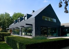 WillemsenU Architecten has remodelled a house near Eindhoven, adding a new dark cladding to the exterior and reorganising the rooms inside Eindhoven, Black Cladding, Timber Cladding, House Cladding, Facade House, Contemporary Barn, Contemporary Architecture, 1960s House Renovation, Modern Barn House
