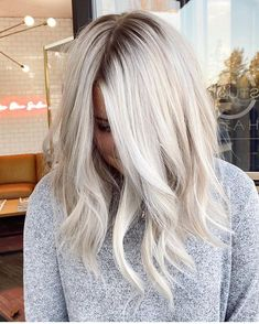 Beautiful platinum blonde created by Dark Roots Blonde Hair, Blonde Hair Looks, Icy Blonde, Platinum Blonde Hair, Blonde Hair For Dark Eyebrows, Blonde Hair Cuts Medium, Beautiful Blonde Hair, Silver Blonde Hair, Beige Hair