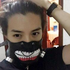 I'm not sure which exo member he is, I think its Suho or Luhan. But Tokyo ghoul mask omg! Kaisoo, Chanbaek, Kyungsoo, Chanyeol, Kim Jongin, K Pop, Luhan Weibo, Chen, Exo 12