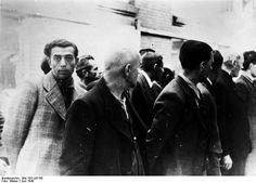 Geëmigreerde Duitse joden worden in Amsterdam opgepakt, juni 1940
