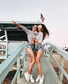 Bff on vacation Bff Pictures, Best Friend Pictures, Friend Photos, Cute Photos, Best Friend Fotos, Shotting Photo, Friend Goals, Photo Instagram, Disney Instagram