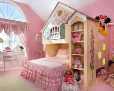 A young girl's dream room