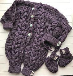 knit set for baby by Tatyana Kurochkina