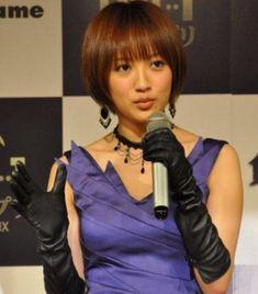 夏菜 : ブーツ 手袋フェチのblog Black Leather Gloves, Long Gloves, Satin Skirt, Asian Beauty, Asian Girl, Womens Fashion, Female Fashion, Kawaii, Cosplay