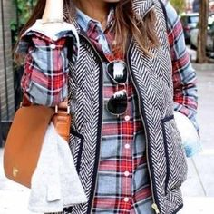 This vest is an amazing deal!!!! The perfect addition to your fall wardrobe this herringbone vest is a must have and it at an all time low price. Size Chart is in cm: Size Details(cm) Tag Size UK/AU S
