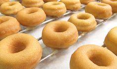 Reposteras unidas : Masa para donas Donut Recipes, Bread Recipes, Baking Recipes, Churros, Doughnut Shop, Baking Videos, Pan Dulce, Cookies, Sin Gluten