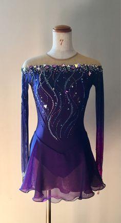 Figure Skating Competition Dresses, Figure Skating Outfits, Figure Skating Costumes, Ice Dance Dresses, Ice Skating Dresses, Dance Outfits, Look Fashion, Fashion Outfits, Tango Dress