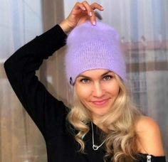 Автор: Ольга Макшеева @olga_maksheevaШапки-бини, благодаря широкой цветовой палитре, прекрасно вписываются в разные стили, гармонично выгляд Crochet Beanie, Knitted Hats, Knit Crochet, Crochet Hats, Diy Crafts Knitting, Knitting Daily, Funny Hats, Diy Hat, Winter Hats For Women