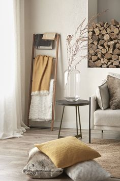 Surround yourself with modern accessories that tell the story of who you are and there'll be no doubt that you have great taste. Take this handsome throw as an example. Warm and snuggly like a big hug, it'll bring comforting vibes to your interior. This cozy blanket is sure to complete the look of any room while offering a touch of classic style. Fall Home Decor, Autumn Home, Take Me Home, Cozy Blankets, Fall Collections, Wall Collage, Home Accessories, Hug, Classic Style