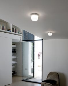 The versatility of The Scotch fixture from #Vibia allows for wall or ceiling mounting  #modern #design #photooftheday