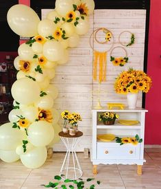 81 inspiring ideas to copy - Birthday FM : Home of Birtday Inspirations, Wishes, DIY, Music & Ideas Sunflower Party Themes, Sunflower Birthday Parties, Sunflower Wedding Decorations, Balloon Decorations Party, Balloon Garland, Birthday Party Decorations, Baby Shower Decorations, Balloon Arch, Sunflower Baby Showers