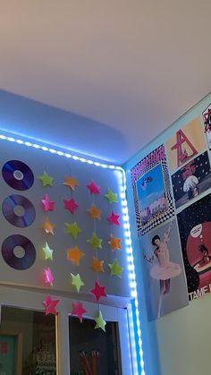 Cute Room Ideas, Cute Room Decor, Boys Room Decor, Teenage Room Decor, Teen Decor, Retro Room, Vintage Room, Room Ideias, Indie Room