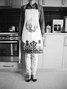 Love an apron with a folk style Folk Fashion, Folk Style, Aprons, Decor, Decoration, Apron Designs, Decorating, Apron, Deco