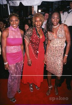 Serena and Venus Williams with their mother at the Essence Awards 2001 at Madison Square Garden in New York City. 04/27/2001. Photo: Evan Agostini/ImageDirect