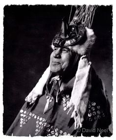 Chief Edwin Newman, Heiltsuk, portrait by David Neel Native American Genocide, Native American Indians, Native Americans, Pacific Coast, Pacific Northwest, Indigenous Art, Native Indian, First Nations, British Columbia
