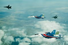 Although some pictures of this unbelievable formation have been already published on aviation website, the Russian Knights, Russian Air Force aerobatic display team has released some more images of… Fighter Aircraft, Fighter Jets, Uss Zumwalt, Tomcat F14, Cruise Missile, Aviation News, Russian Air Force, Sukhoi, Battle Tank