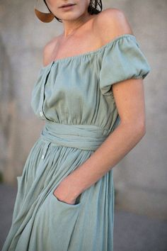 dresses - Clothing -
