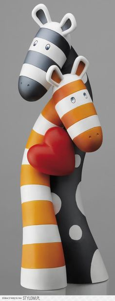 The Lovers (Sculpture) by Peter Smith This is just awesome! Paper Mache Clay, Clay Art, Peter Smith, Paper Art, Paper Crafts, Ceramic Animals, Paperclay, Polymer Clay Crafts, Recycled Art