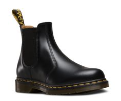 ebdf99b8c86 30 Awesome Chelsea dr martens images