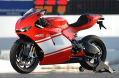 Ducati terá uma nova Superbike com motor em 2018 Diavel Ducati, Ducati Desmosedici Rr, Ducati Motogp, New Ducati, Moto Ducati, Motorcycle Dirt Bike, Motorcycle Images, Motorcycle Engine, Dirt Bikes