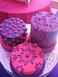 pinky purple cakes by Karen Portaleo/ Highland Bakery, via Flickr