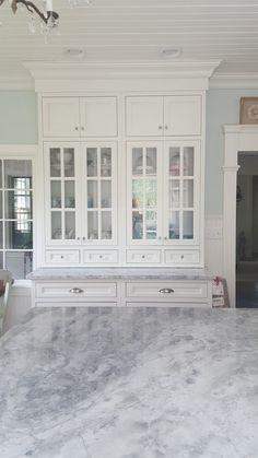 White Quartzite Countertops, White Cabinets White Countertops, White Kitchen Cabinets, Kitchen Countertops, Kitchen Hutch, Kitchen Reno, Kitchen Ideas, Paint Colors For Home, Vintage Kitchen