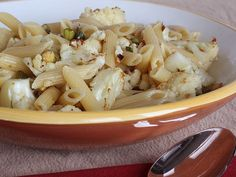 Penne with Cauliflower & Pistachios 1 lb penne. Think it's better as a side dish, no penne. Cheap Pasta Recipes, New Recipes, Dinner Recipes, Favorite Recipes, Yummy Recipes, Penne, Vegetable Recipes, Vegetarian Recipes, Healthy Recipes
