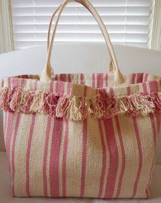 Beach bag from Ikea rug. Ikea Rug, Diy Purse, Jute Bags, Linen Bag, Denim Bag, Fabric Bags, Cloth Bags, Handmade Bags, Purses And Bags
