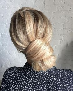 bridal updo hairstyles,Chic wedding hairstyles,chignon, updos ,wedding hairstyle ideas,updo wedding hairstyles, Feminine wedding updo hairstyles #weddinghairstyles #updo #upstyle #hairstyleideas