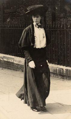 Edward Linley Sambourne Street Fashion 8 - 1906