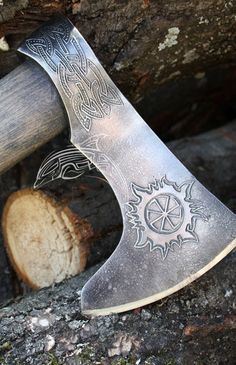 Rus axe