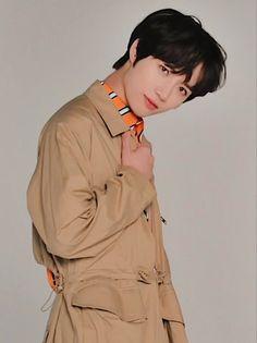 Cosmic Boy, Vogue Photoshoot, Teen Vogue, All About Kpop, Boy Idols, Messy Hairstyles, Boyfriend Material, Boy Groups, Black Hair