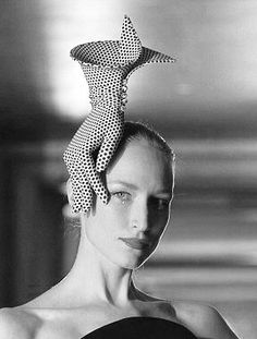 By Philip Treacy fascinator hat millinery Wedding Pretzels, Fascinator Hats, Fascinators, Headpieces, Crazy Celebrities, Philip Treacy Hats, Crazy Hats, Crazy Hat Day, Fancy Hats